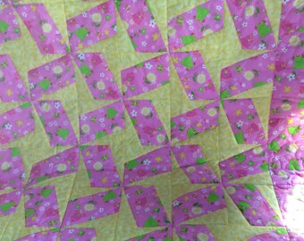 Pink and Yellow little girl quilt, baby girl quilt, Daisy quilt,  Sunflower quilt, yellow polka dot quilt, pink quilt, cotton