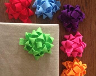 Felt gift bows
