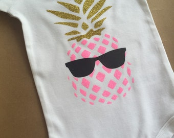 Pineapple onesie, Baby Girl Onesie, baby onesie, baby gift,l