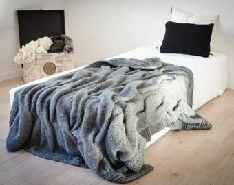 Cuddly blanket