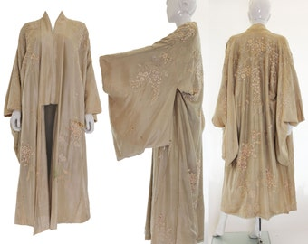 Early 1920s Ivory Silk Embroidered Kimono