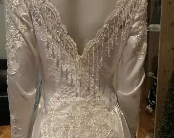 Bridal originals size 10 Vintage wedding dress  unique white satin  FREE SHIPPING IN U.S.A.