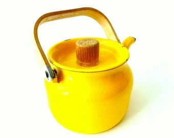 Vintage French Enamel Teapot / Enamel and Wood Yellow Teapot