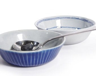 blue porcelain bowls with darkeer blue sgraffito pattern, ceramics, pottery, dessert bowls