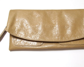 The Clutch Purse - Beige leather