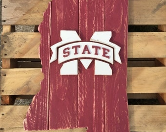 State of Mississippi wood pallet sign, with Mississippi State logo in the center.  Hail State!