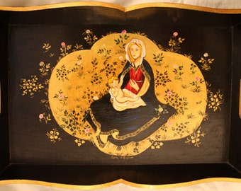 Tray with madonna con bambino gold background
