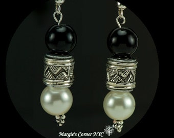 Black & White Pearl Earrings