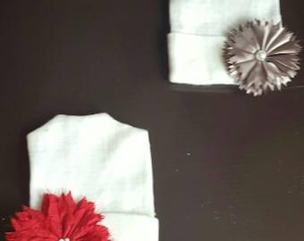 Newborn cap / beanie with flower (pick one)