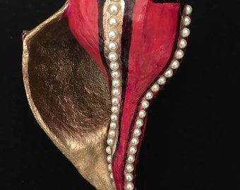 seashell ,red /gold/ pearls