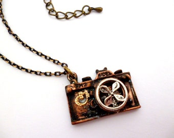 Vintage Style PhotoCam Necklace_Steampunk Jewelry Gift Ideas_Minimalist Steampunk Fashion Necklace