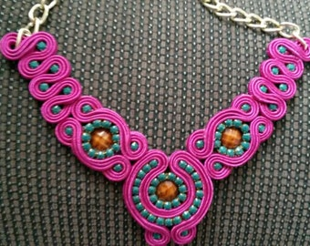 necklace magenta, brown and green