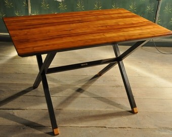 Table in solid cherry & aged metal