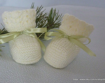 Knitted baby booties in natural colors,knitted baby boots,knitted baby shoes.Ready to ship .