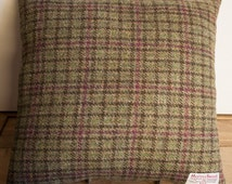 Harris Tweed pillow Carloway with Orkney porcelain buttons