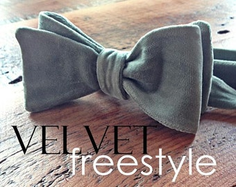 bow tie in lily velvet {freestyle}