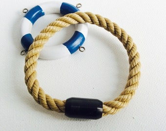 Maritimes Mr. bracelet in natural rope look with black magnetic closure