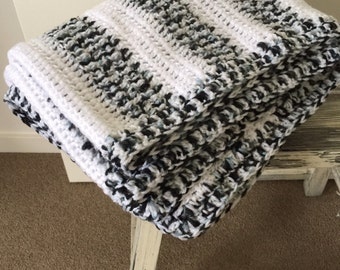 Hand knitted blanket / throw - Grey and white