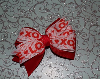 XOXO red valentines bow