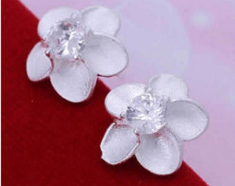 Stunning Earrings, Trendy Earrings, Delicate  Flower Stud Earrings.
