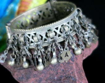 VINTAGE KUCHI BRACELET - Jangly Tribal Jewelry for Small Wrist
