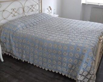 Diamond crochet bedspread