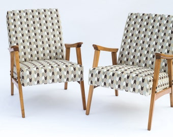 Pair of Mid Century Modern Lounge Chairs, c. 1970, Newly Restored
