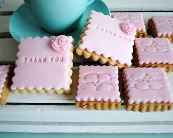 Thank You Biscuit Gift  /Iced Biscuits/Edible Gift/Personalised Gift / Biscuits / Sweet Treat/Celebration