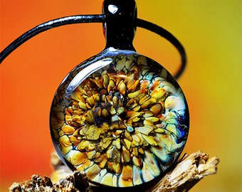 implosion - glass lampwork pendant, design by Tommy Kies, AN_003