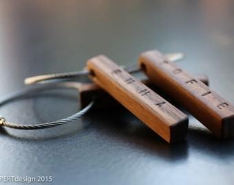 Keyring in wood with vanity name