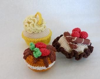 crochet cakes - set of 3, play food, crochet food, amigurumi cakes
