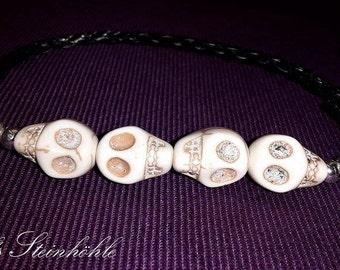 Bracelet white rocking skulls