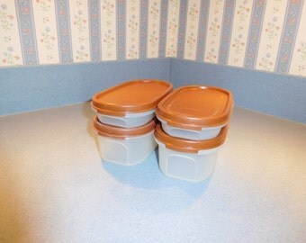 Tupperware Modular Mates ovals Set of 4 with brown seals