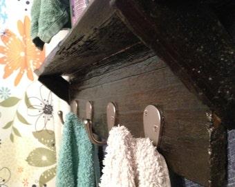 Reclaimed Fence Board 5-Hook Towel Rack with Shelf