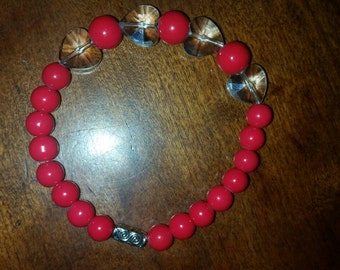 Gorgeous red beaded bracelet with crystal hearts