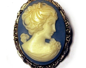Vintage 1960s Cameo Brooch Signed Hollywood Blue & White Jasperware in Silver