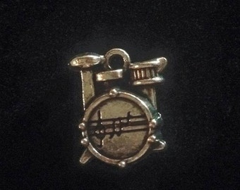 The 1975 inspired drumset charm - add on