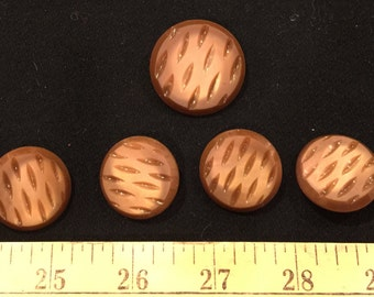 Vintage button set -7 vintage caramel brown buttons, 2 different button sizes
