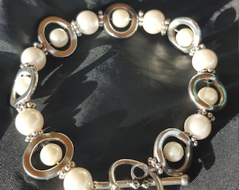 Beaded Faux Pearl Bracelet