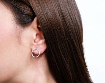 circle earring, minimal earrings, basic earrings, stud earrings, round earrings, circle earrings, silver earrings, geometric earrings