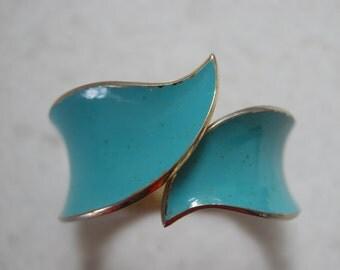 Vintage Turquoise Crown Trifari enamel cuff bracelet, Cuff Bracelet, Turquoise Bracelet, Vintage Jewelry, 1960's Jewelry, Enamel Bracelet