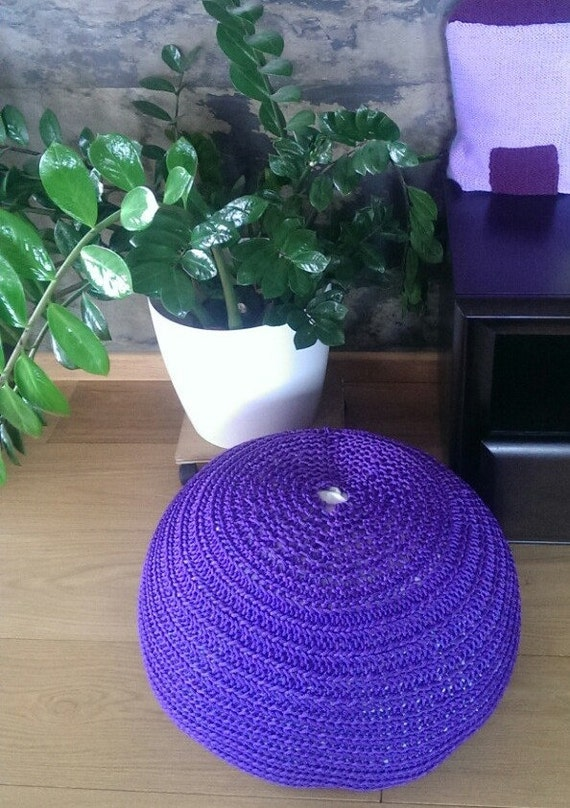 Crochet pouf with a bean bag bead filling