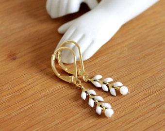 Laurier enamel, pearls of pearl earrings