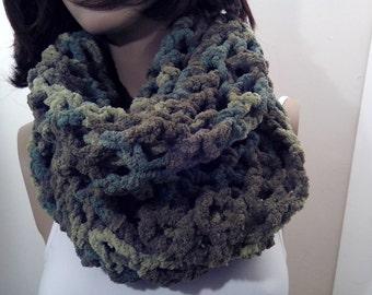 Crochet Scarf, Crochet Stole, Crochet handmade, Scarf camu, Scarf camouflage, Scarf green crochet, Scarf winter, Scarf woman, girl,soft, big