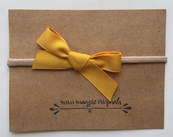 Ribbon bow || mustard