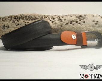 Recycled bike tire/belt/buckle burnished metal//passer-by and reggi leather buckle//made in italy//art. 044