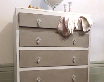 Painted Chest of Drawers/A super painted Chest of Drawers from the 1950s/Stylish Painted Chest of Drawers/Vintage Chest of Drawers
