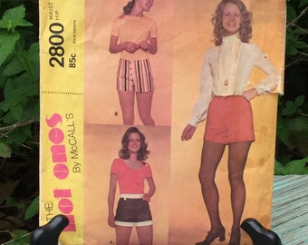 Sewing Pattern for The Hot Ones By McCall's Hot Pants~2800~Waist Size 27~Hip Size 38