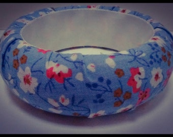 Blue floral fabric covered bangle
