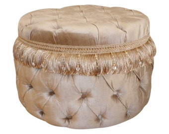 Round Tufted Ottoman with Lace
